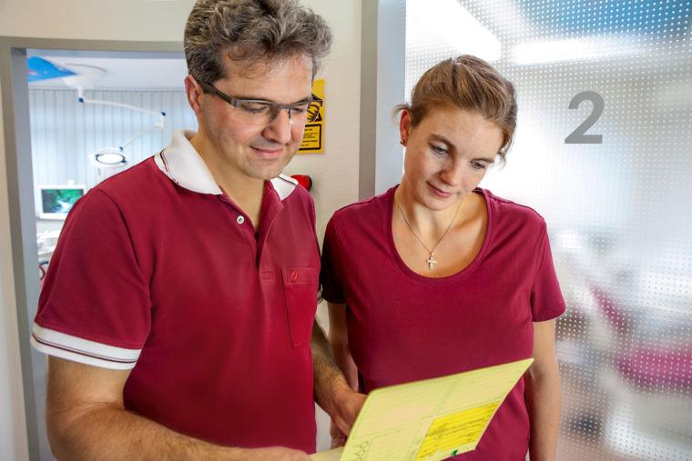 Zahnarzt Dr. Kiermeier Landshut Stellenausschreibung für ZFA oder ZMP auf Voll- oder Teilzeit